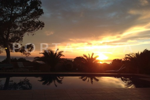 sundown-gorgeous property with a phenomenal sea and sunset view