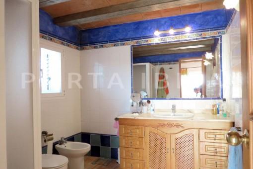bathroom2-charming house-central- near Cala Pada
