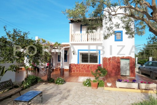 chillout terrace-charming house-central- near Cala Pada