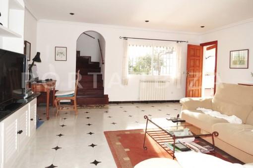 livingarea-charming house-central- near Cala Pada