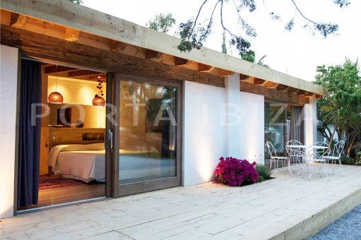 guesthouse-wonderful villa-San José-mediterranean garden