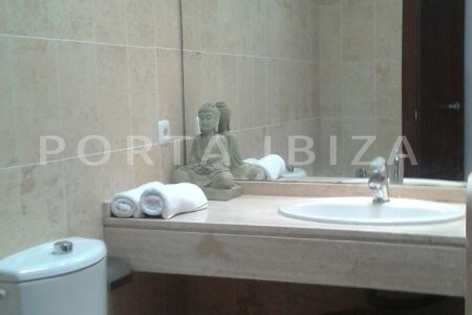 bathroom1-nice terraced house-cala moli-with pool