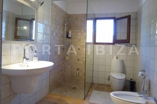 bathroom-high quality country house-Es Cubells-fabulous landscape views