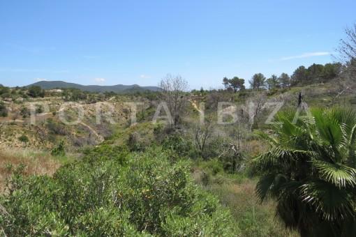 fabulous landscape views-high quality country house-Es Cubells