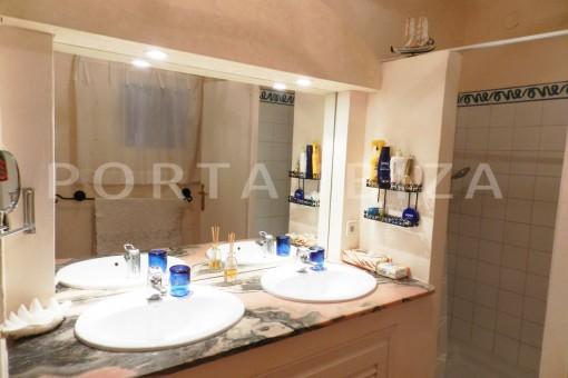 bathroom2-wonderful villa with sea view at can germá