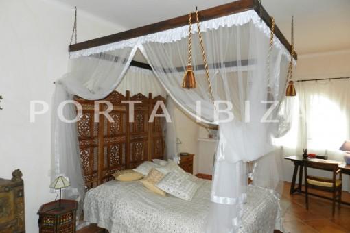 bedroom2-wonderful villa with sea view at can germá