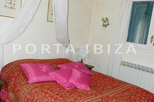 bedroom4-wonderful villa with sea view at can germá
