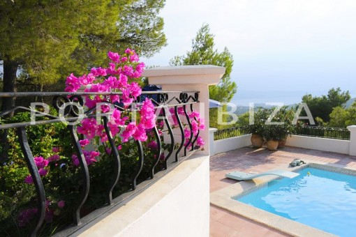 garden & pool-wonderful villa with sea view at can germá