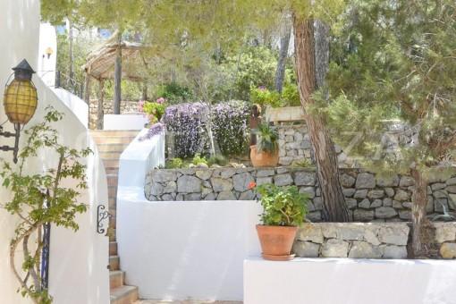 garden & terrace-wonderful villa with sea view at can germá