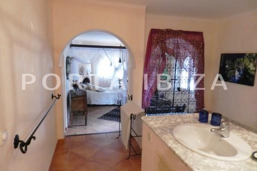 master bathroom-wonderful villa with sea view at can germá