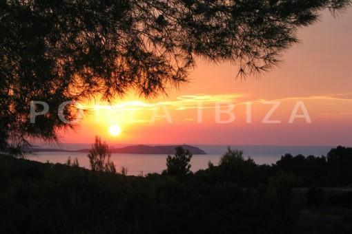sundown-wonderful villa with sea view at can germá