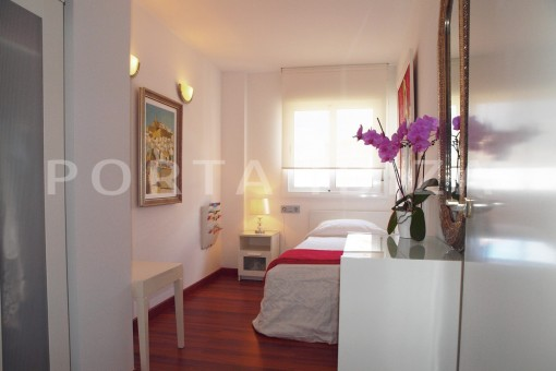 bedroom2-modern-super well maintained apartment-fantastic sea and sunset view