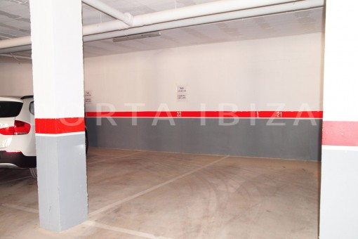 garage-modern-super well maintained apartment-fantastic sea and sunset view