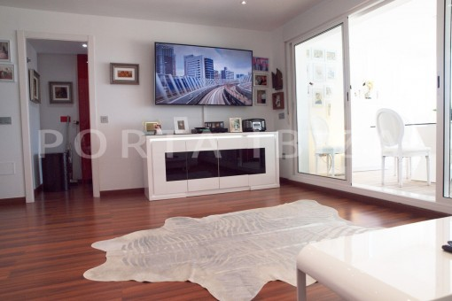 living-super maintained apartment-fantastic sea and sunset view