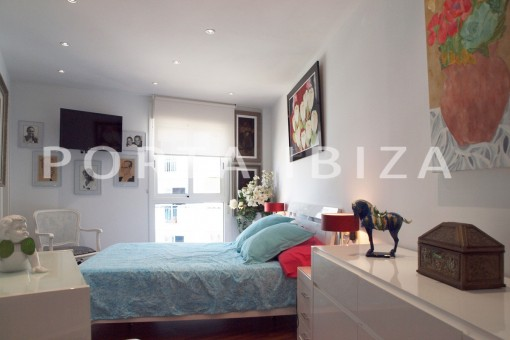 master bedroom-modern-super well maintained apartment-fantastic sea and sunset view
