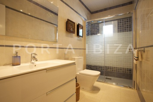 bathroom-party and retreat house-close to ibiza