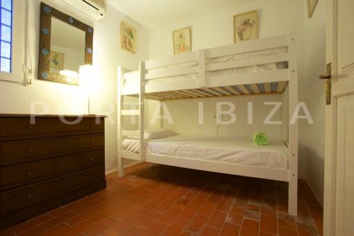 bedroom-party & retreat house-close to ibiza