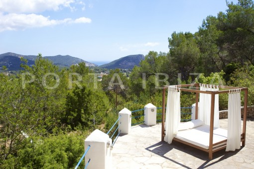 chill & party and retreat house-close to ibiza