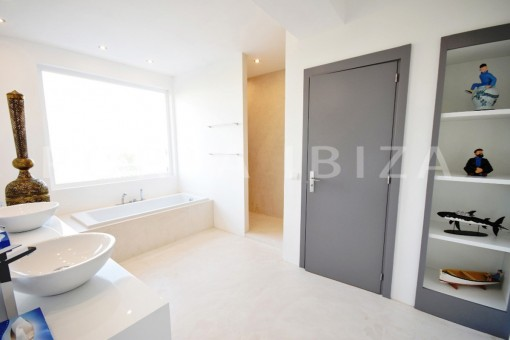 bathroom 3-high quality & modern villa-cala conta-sea view