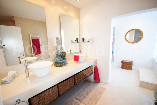 bathroom1-high quality & modern villa-cala conta-sea view