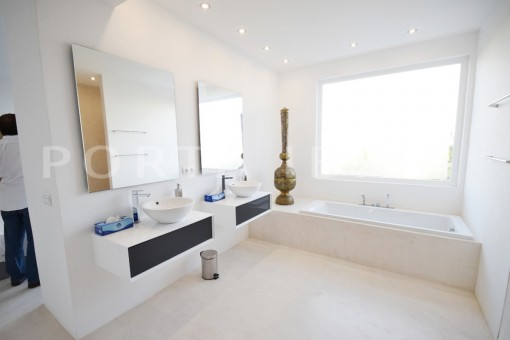 bathroom3-high quality & modern villa-cala conta-sea view