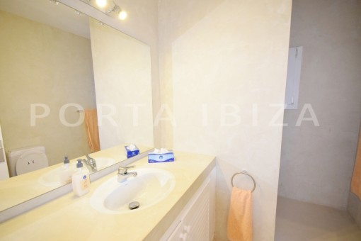 bathroom4-high quality & modern villa-cala conta-sea view