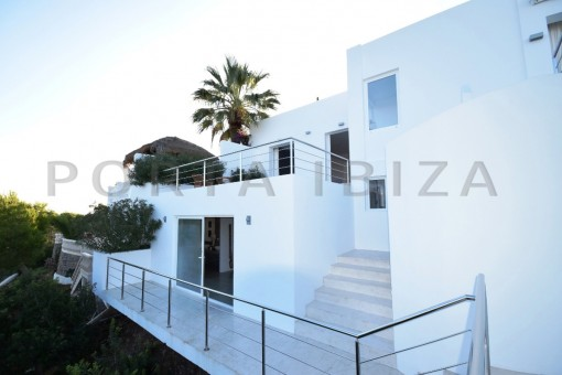 high quality & modern villa-cala conta-marvelous views