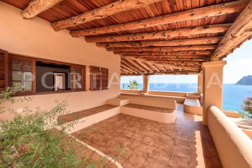 chill & relax area-unique first line villa-Es Cubells-fantastic views