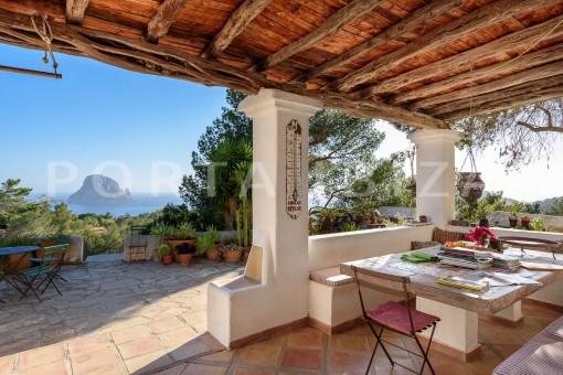 dinner-incredible property-fabulous panoramic views-Es Vedra