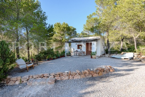 guesthouse area-incredible property-fabulous panoramic views-Es Vedra