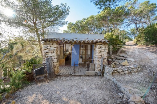 guesthouse-incredible property-fabulous panoramic views-Es Vedra