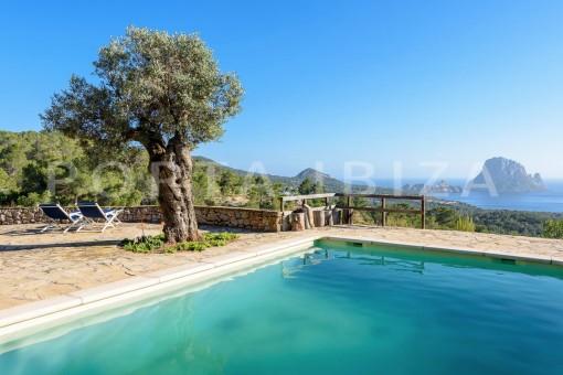 Einmaliges Anwesen mit fabelhaftem Panoramablick auf Es Vedra