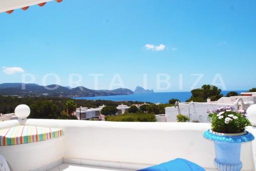 balcony-charming house-Cala Codolar-views to Es Vedra
