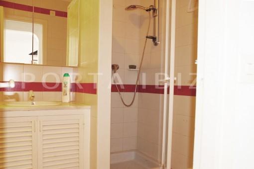 bathroom2-charming house-Cala Codolar-views to Es Vedra