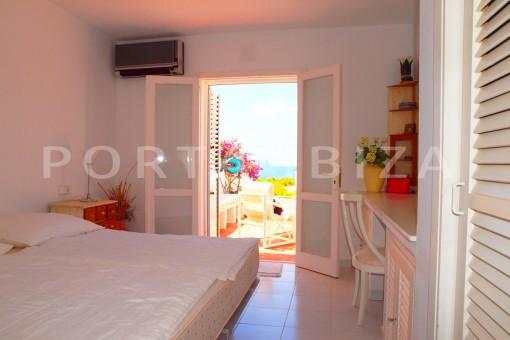bedroom2-charming house-Cala Codolar-views to Es Vedra