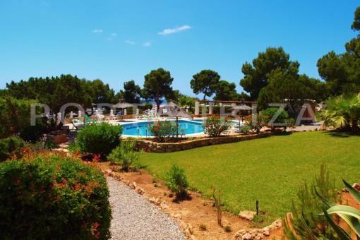 community garden & pool-charming house-Cala Codolar-views to Es Vedra