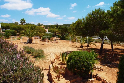 community garden-charming house-Cala Codolar-views to Es Vedra