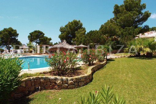 community pool & garden-charming house-Cala Codolar-views to Es Vedra