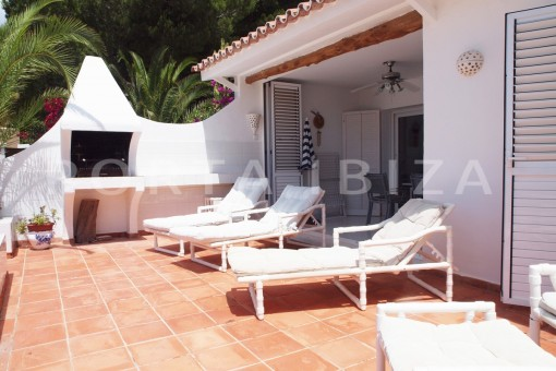 terrace-charming house-Cala Codolar-views to Es Vedra