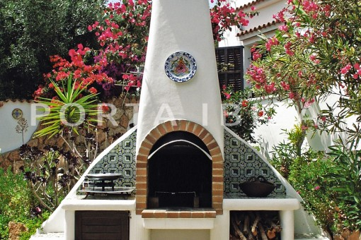 BBQ area-house for renovation-close to the beach-Es Figueral