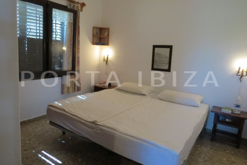 bedroom2-house for renovation-close to the beach-Es Figueral