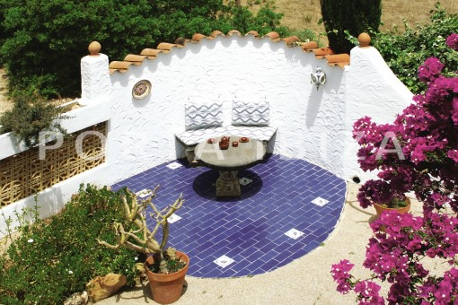 chillout area-house for renovation-close to the beach-Es Figueral