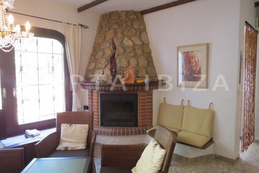 living & fireplace-house for renovation-close to the beach-Es Figueral