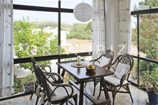 winter garden area-house for renovation-close to the beach-Es Figueral