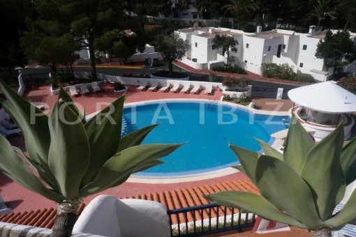 pool area-charming apartment-beautiful view-Coralmar