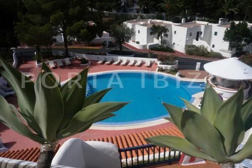 pool area-charming apartment-beautiful view-Coralmar