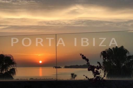sunset-fabulous house-fantastic sea views-pool-Cala Moli