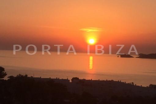 sunset view-fabulous house-fantastic sea views-Cala Moli
