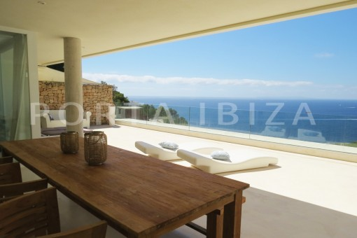 dinner terrace-marvelous modern apartment with breathtaking sea view