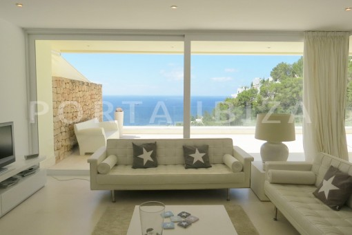 livingroom-marvelous modern apartment-breathtaking sea view